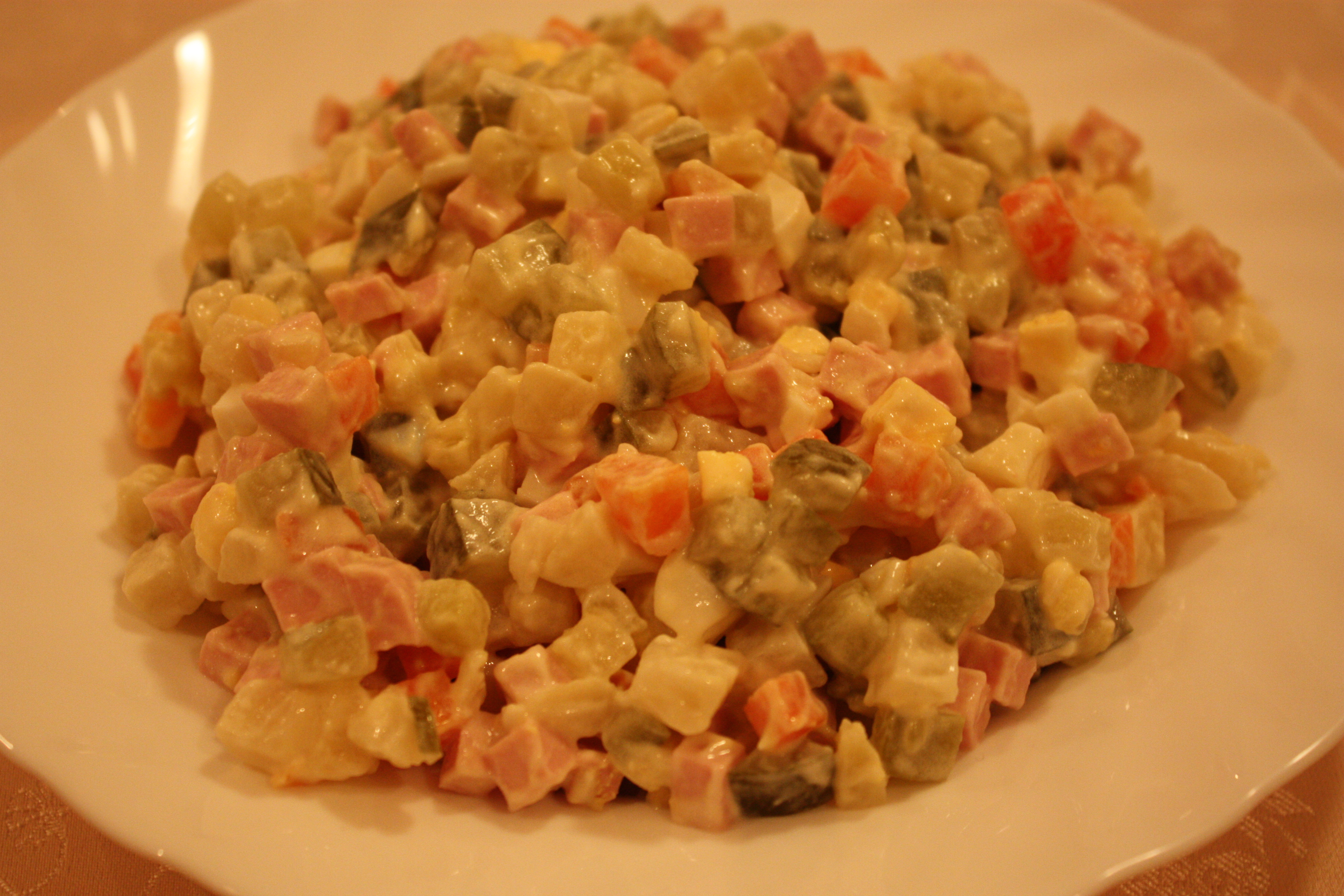 рецепт салата сугробы с колбасой пошаговый рецепт